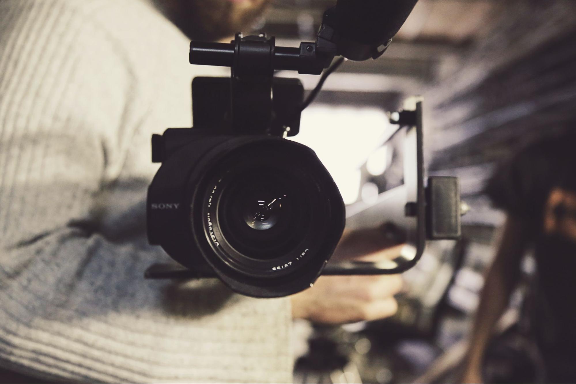 Come ottenere visibilità sui media per la tua startup
